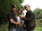 Video sexe d'un trio amateur dans les bois